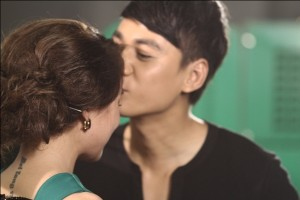Giang Hồng Ngọc trở lại – Yanbi kết hợp hot girl